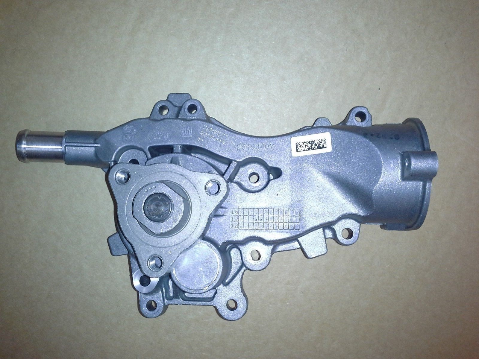 ORIGINAL VAUXHALL ASTRA J CORSA D & E  ADAM 1.2, 1.4 WATER PUMP  25193406 NEW