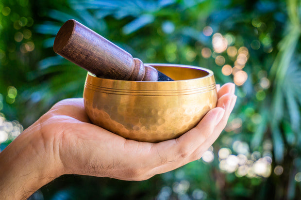 "4"" Hand Hammered Tibetan Singing Bowl & Antique Tingsha Gift Set"