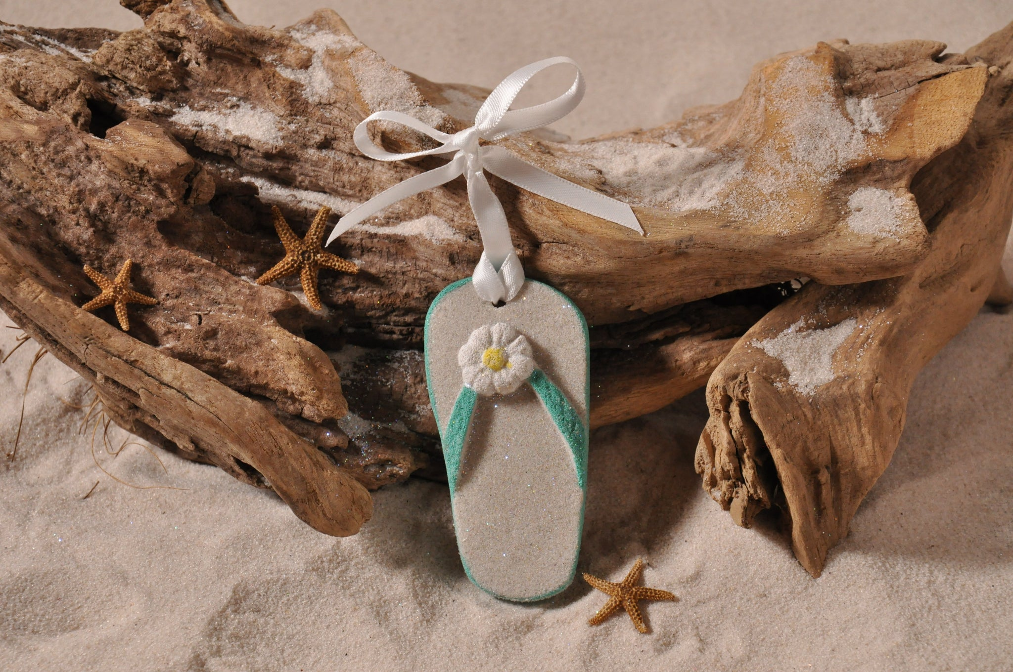 SAND ORNAMENT, CHRISTMAS TREE ORNAMENT, TROPICAL CHRISTMAS DECORATIONS, COASTAL ORNAMENT, SAND ORNAMENT, TROPICAL ORNAMENT, ARENOPHILE, SANTA, CHRISTMAS ORNAMENT, FLORIDA, BEACH, FLIP FLOP