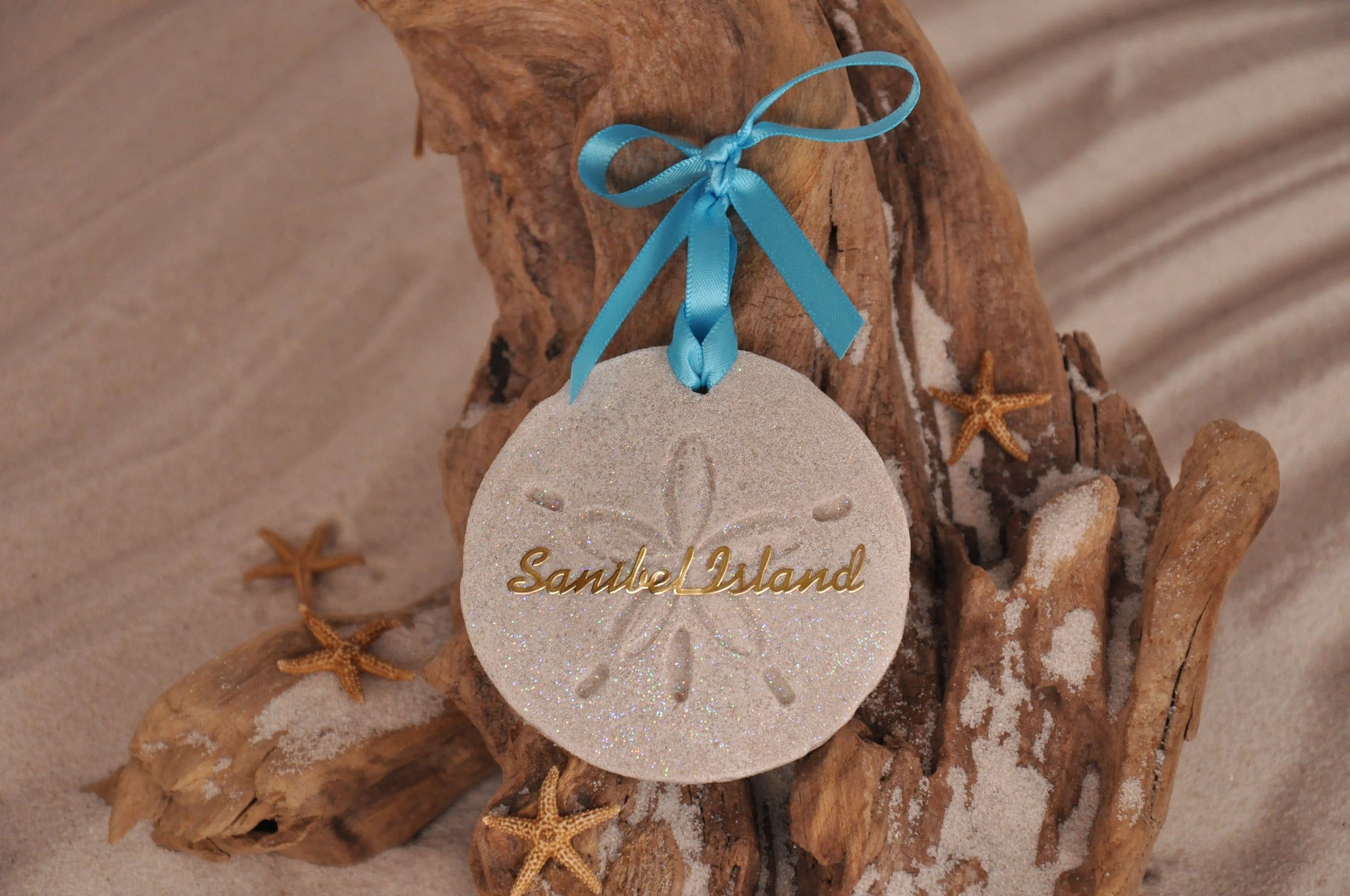 SAND ORNAMENT, CHRISTMAS TREE ORNAMENT, TROPICAL CHRISTMAS DECORATIONS, COASTAL ORNAMENT, SAND ORNAMENT, TROPICAL ORNAMENT, ARENOPHILE, CHRISTMAS ORNAMENT, SAND DOLLAR, SANIBEL, DESTINATION