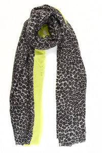Thick Grey Leopard Print Scarf