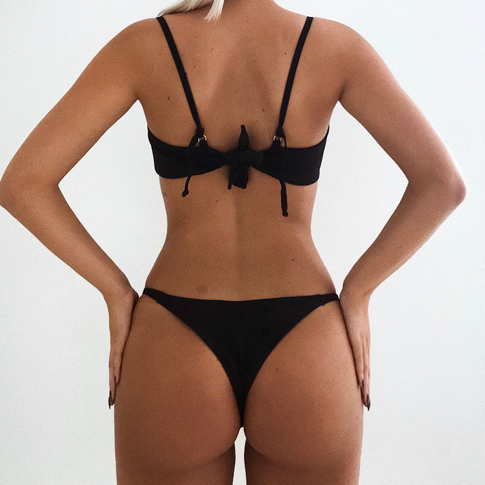LULU BOTTOM IN BLACK