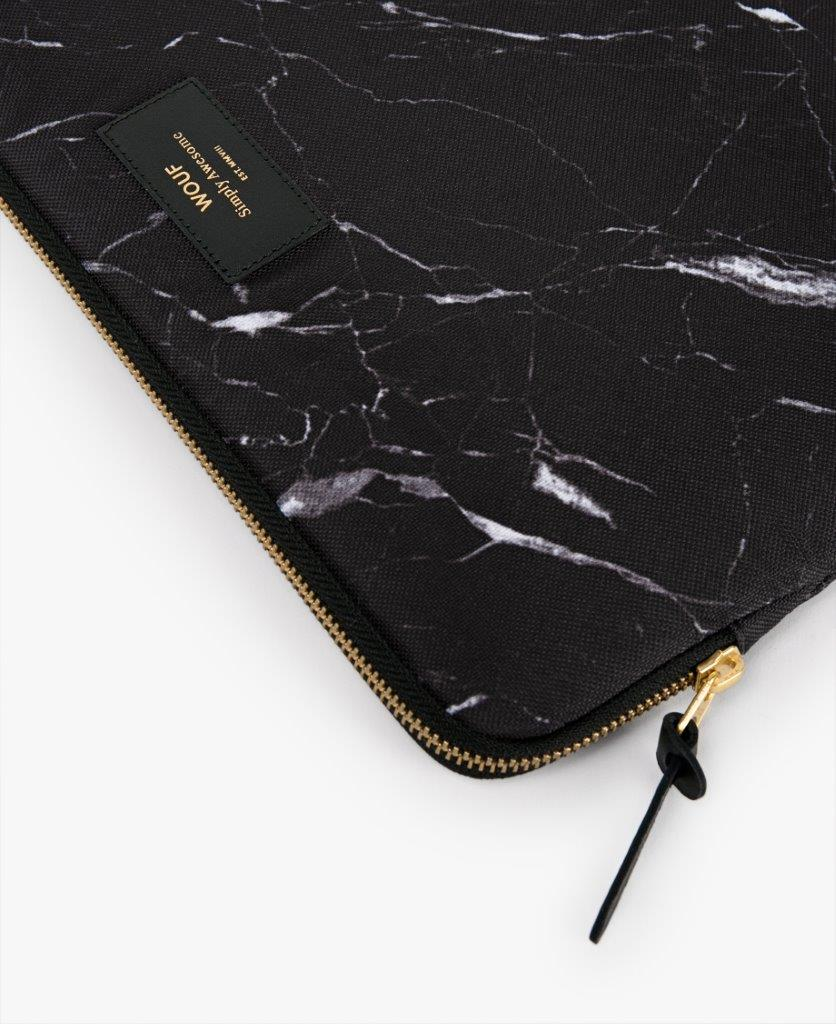 Funda Laptop Black Marble 15''