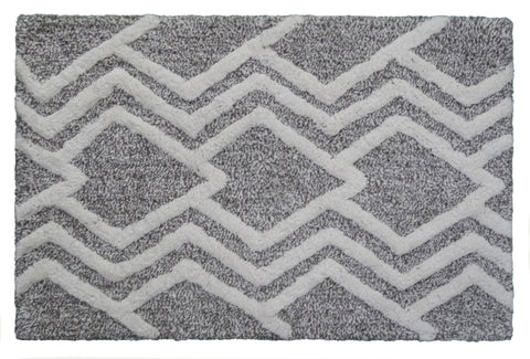 CHICOS HOME Bath Rug Geometric Pattern in Grey & Ivory