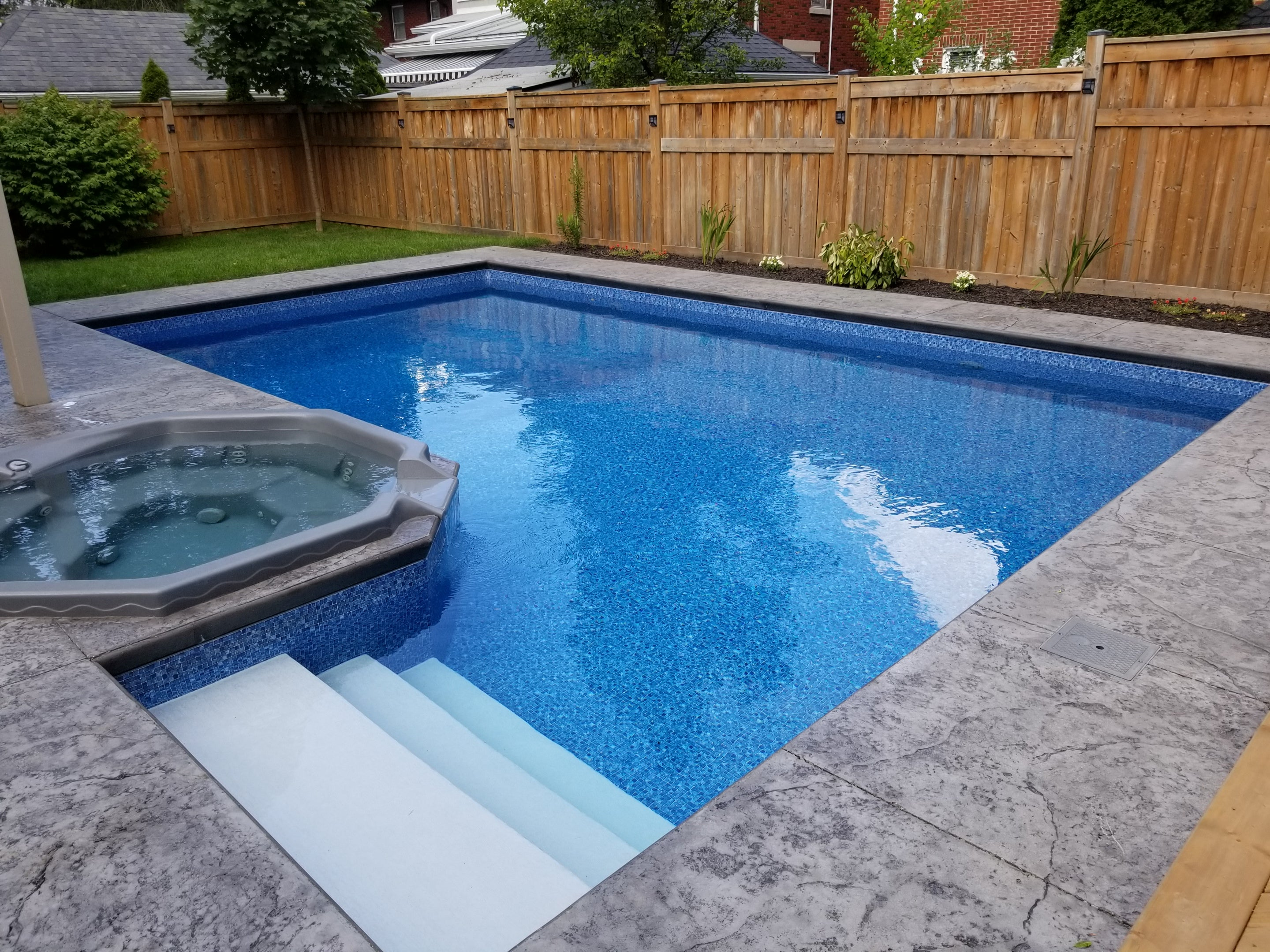 Pool & Hot Tub London
