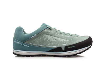 An Altra women's Grafton approach shoe that is teal