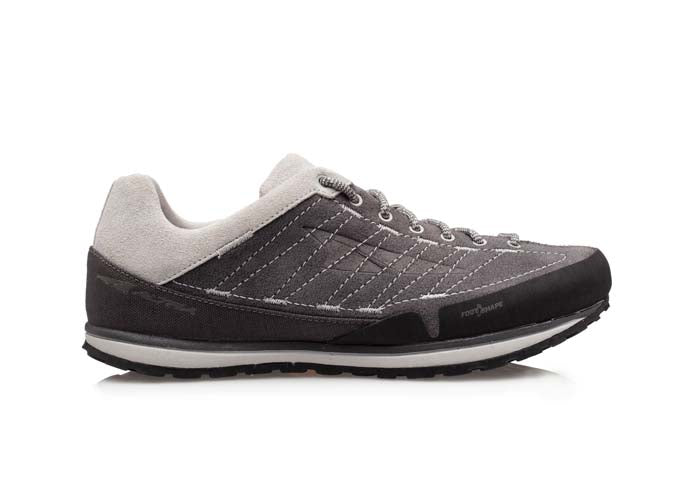 An Altra women's Grafton approach shoe that is grey