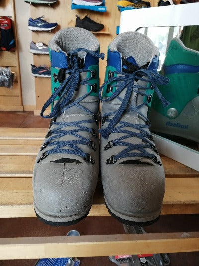 Used Koflach Viva Soft Boots (US 10.5)