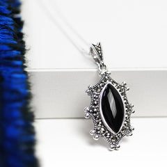 Mirror Mirror 925 Sterling Silver Vintage Style Pendant with Black Marcasite Stone