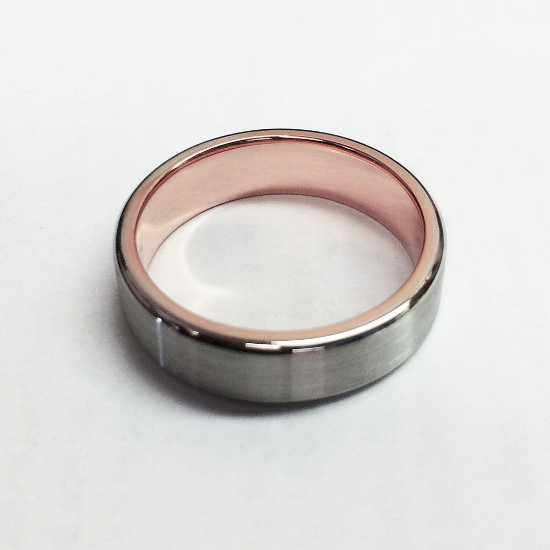 The finished ring with brilliant white gold and rich rose gold.