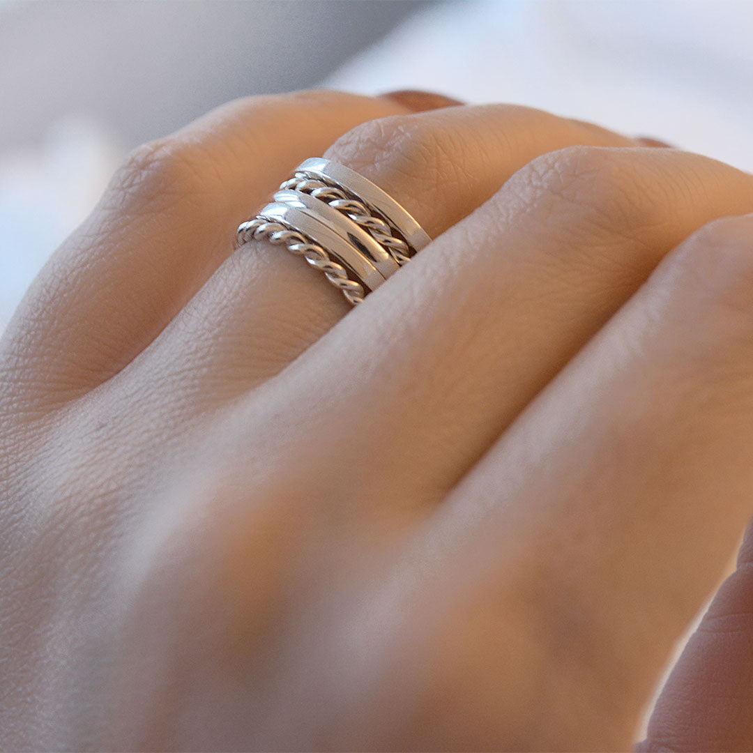 Cadence Curved Stacking Ring · 2mm