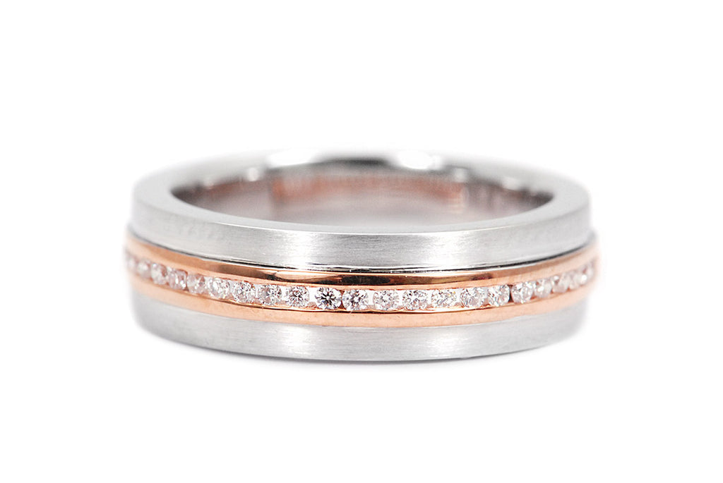 Anillo Breuning Path con 0.16ct en diamantes y 18K (M31430)