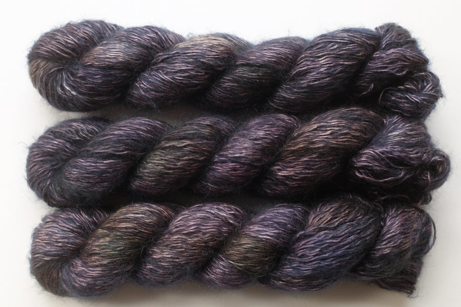 shadows - wiggle -  hand dyed yarn 4ply fingering - 100g
