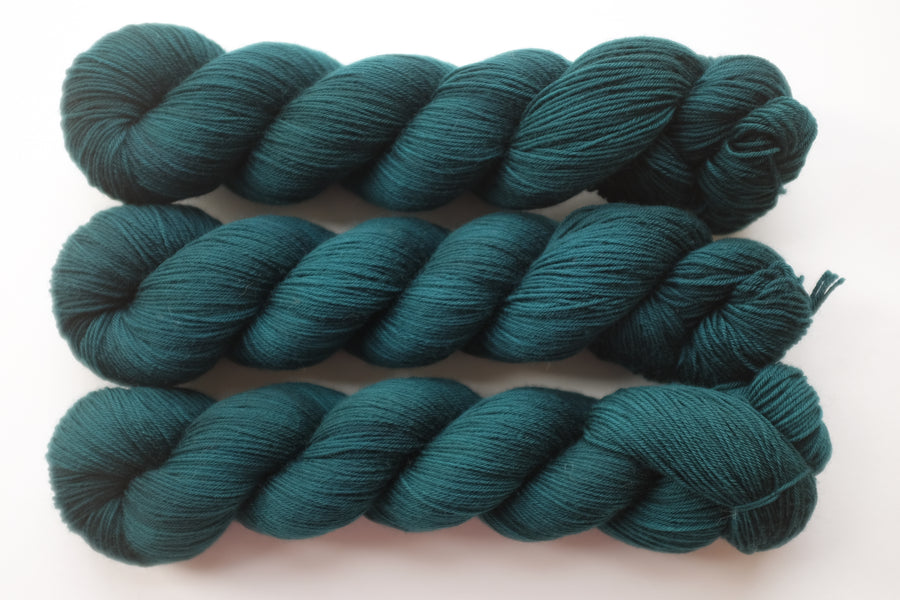 Petrol - merino 4ply - 4ply fingering hand dyed yarn - 100g