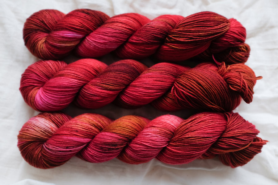 fire cracker - sock blend - 4ply fingering hand dyed yarn - 100g