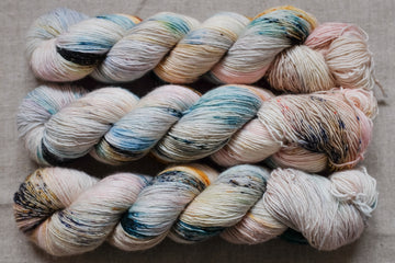oyster - merino singles -  hand dyed yarn 4ply fingering - 100g