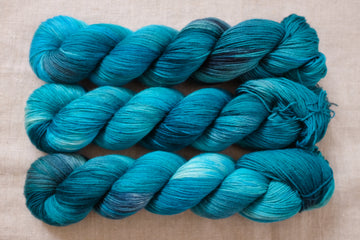 OOAK teal - sock blend - 4ply fingering hand dyed yarn - 100g