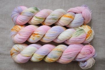 peony - sock blend - hand dyed yarn speckled 4 ply - 100g