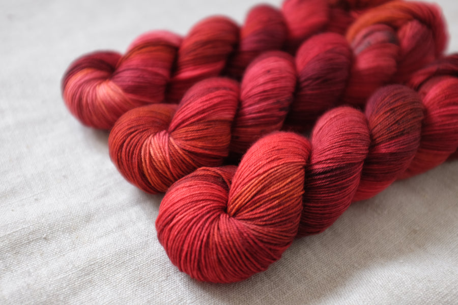 blood moon - sock blend - 4ply fingering hand dyed yarn - 100g