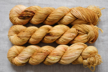 honeycomb - sock blend - 4ply fingering hand dyed yarn - 100g