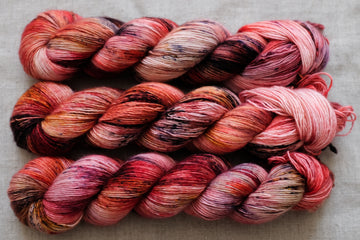 OOAK red speckles - merino singles -  hand dyed yarn 4ply fingering - 100g