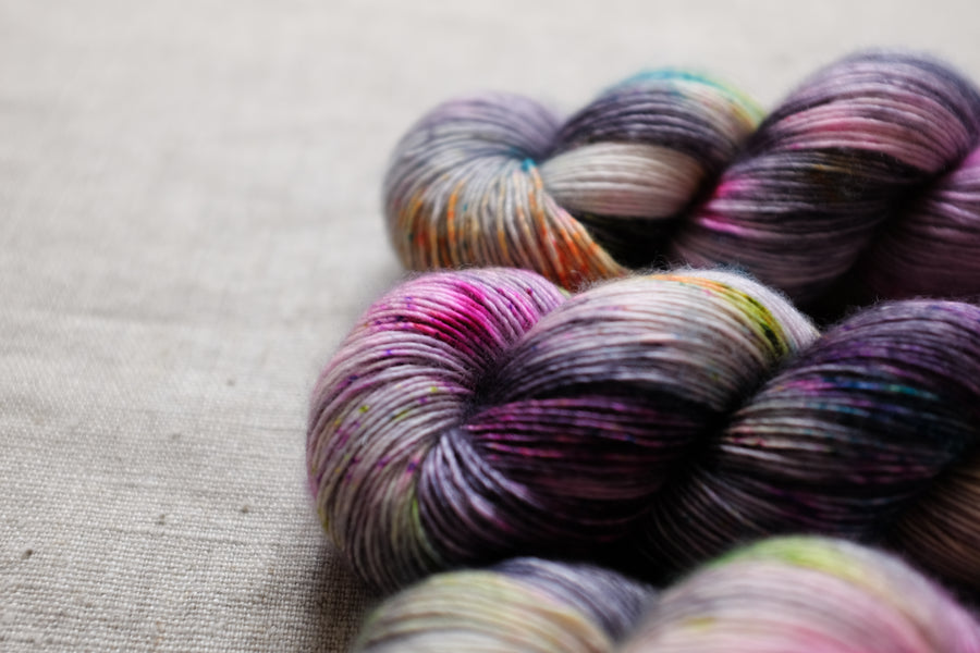 city streets - merino singles -  hand dyed yarn 4ply fingering - 100g