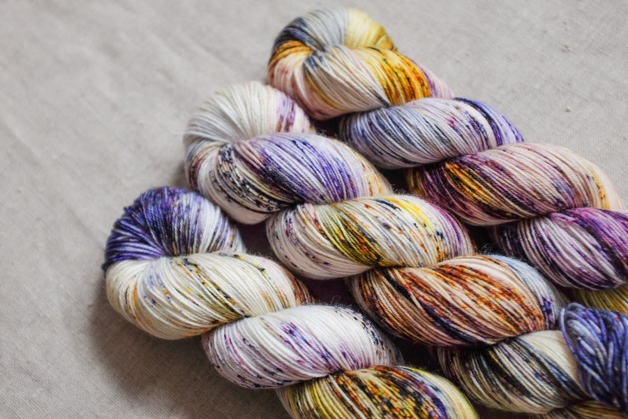 warrior - sock blend - hand dyed fingering 4 ply merino wool - 100g