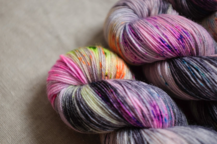city streets - sock blend - 4ply fingering hand dyed yarn - 100g