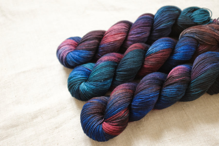 serenity - sock blend - 4ply fingering hand dyed yarn - 100g