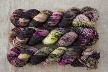 halloween 2020 - sock blend - 4ply fingering hand dyed yarn - 100g
