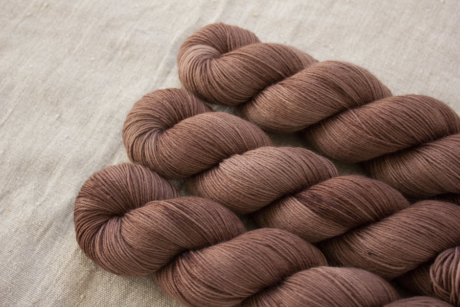 espresso - sock blend - hand dyed merino yarn fingering 4ply - 100g