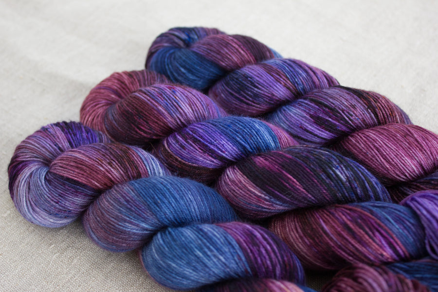 tranquility - sock blend - hand dyed fingering 4 ply merino wool - 100g