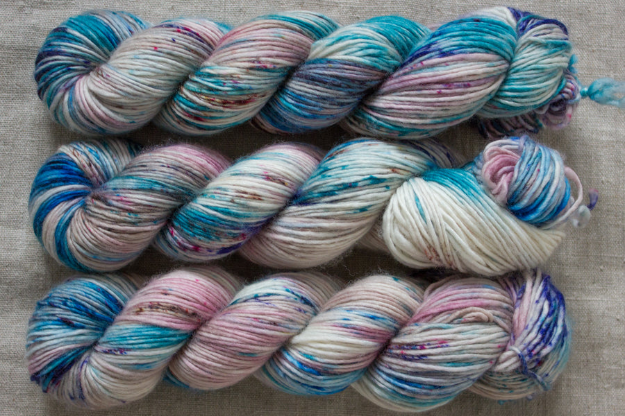 Athena - DK singles - hand dyed yarn merino wool speckled - 100g