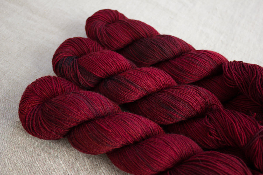 vulcan - sock blend - hand dyed yarn merino wool 4 ply fingering 100g