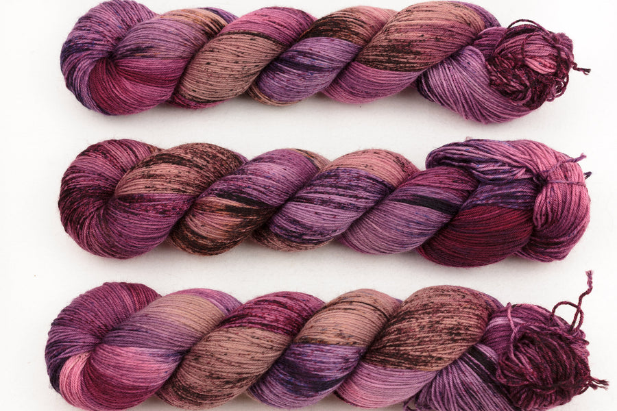 fable - sock blend - hand dyed fingering 4 ply merino wool - 100g