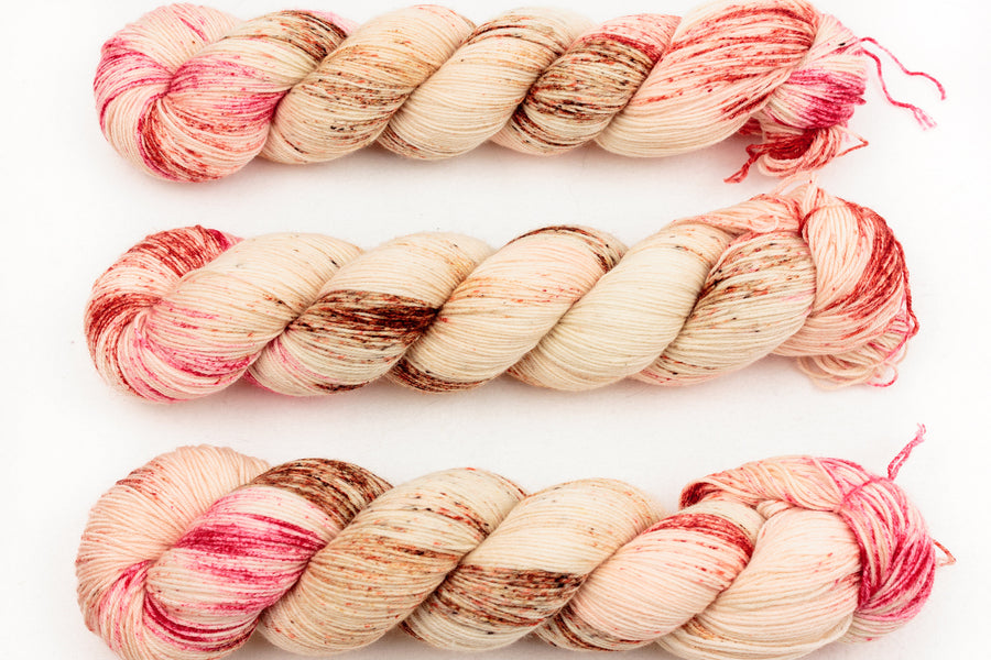 raspberry ripple - sock blend - hand dyed fingering 4 ply merino wool - 100g