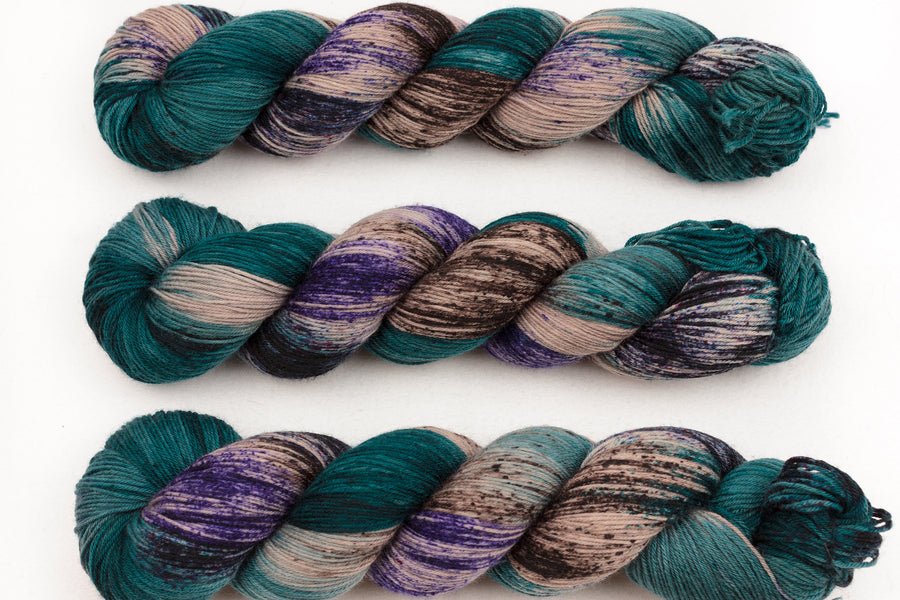 shale hand dyed yarn sock yarn fingering yarn merino wool speckled yarn 4ply sock teal beige purple 100g