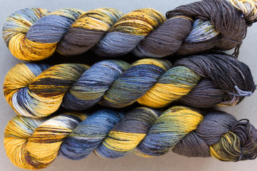 lantern's flicker - sock blend - 4ply fingering hand dyed yarn - 100g