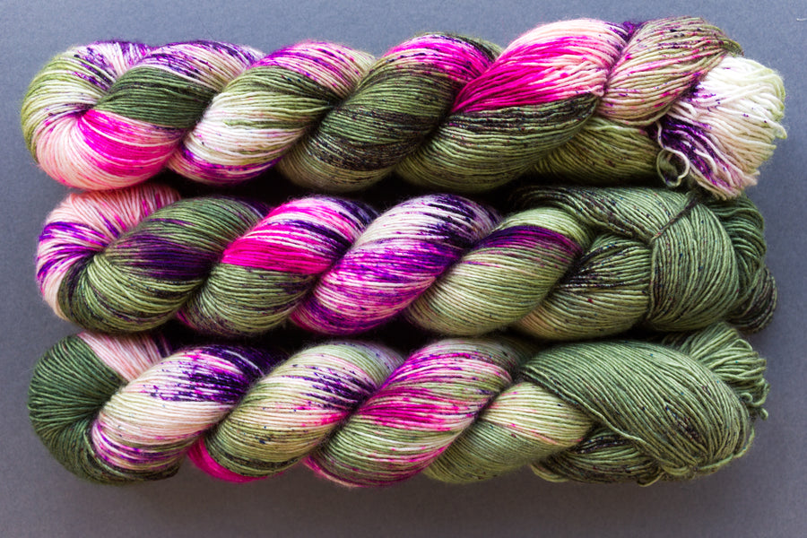 pistachio - merino singles - hand dyed yarn speckled 4ply - 100g