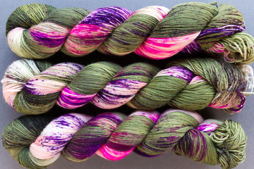 pistachio - sock blend - hand dyed yarn speckled 4ply - 100g