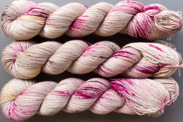 smoky rose - sock blend - hand dyed yarn fingering yarn merino wool 4ply - 100g