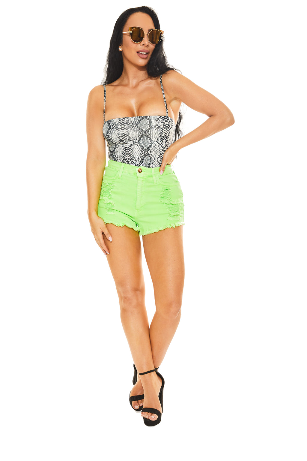 GREEN DREAM - Denim Shorts - www.prettyboutique.com