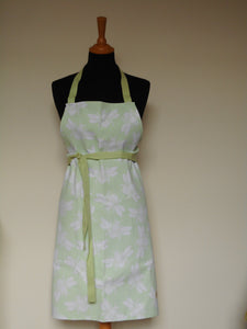 Bumble Bee Apron in Green
