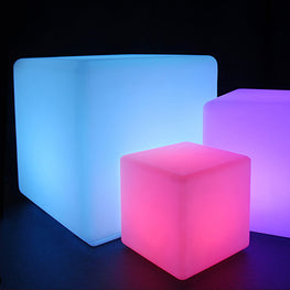 Decoratiune cubica iluminata LED medie CHILL OUT