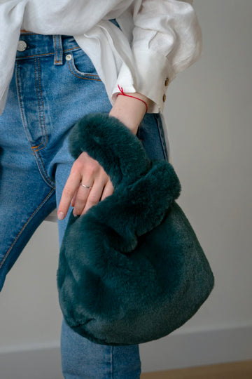 Emerald green faux fur tote - LOOKHUNTER