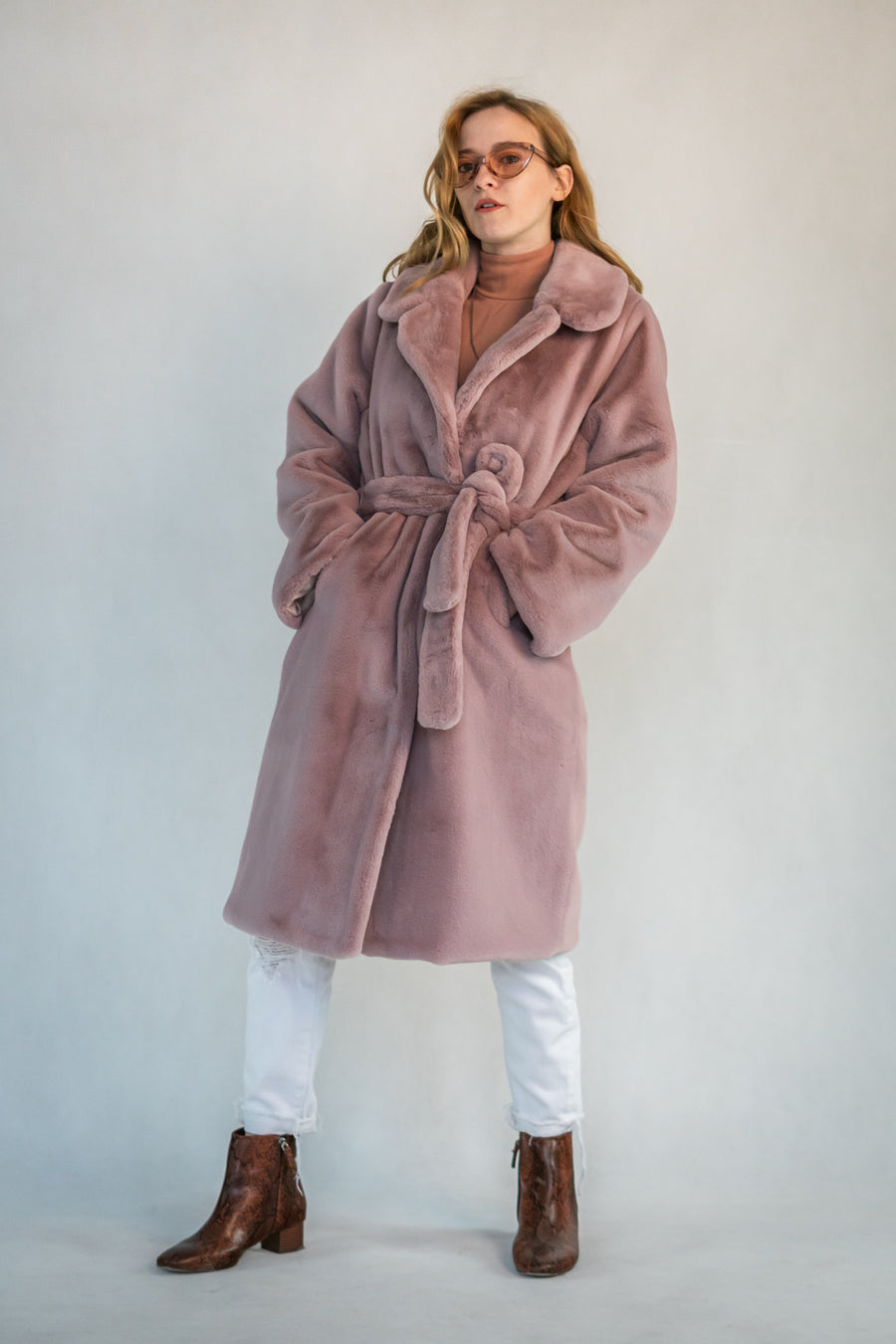 Long pink faux fur coat - LOOKHUNTER