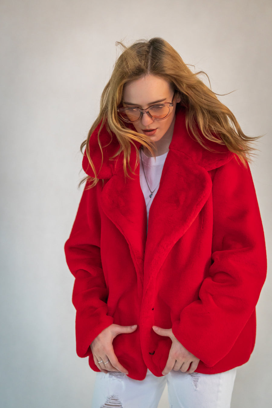Red faux fur lapel jacket - LOOKHUNTER