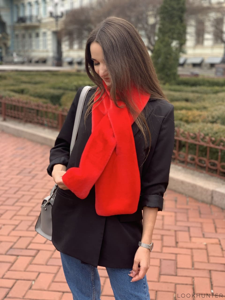 Red faux fur wrap - LOOKHUNTER