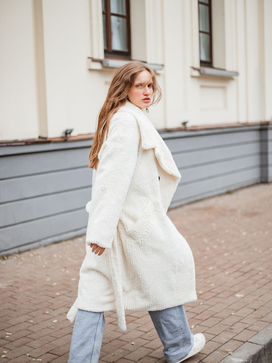 Off white coat with notched lapels