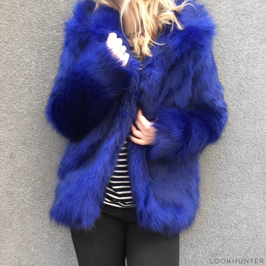 Women Faux Fur Spread Collar Jacket - LOOKHUNTER